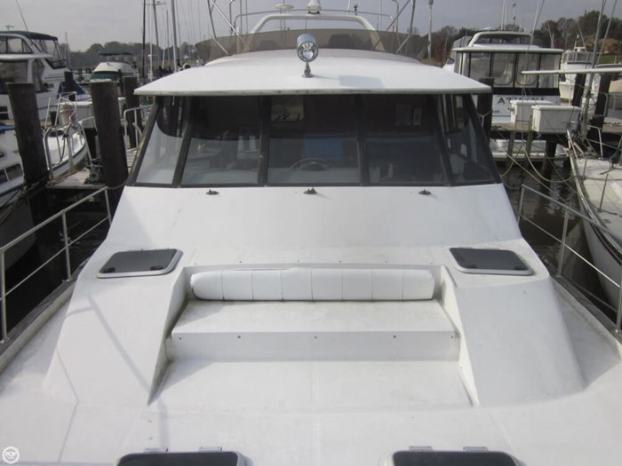1993 Bayliner 4588 Motoryacht Photo 14 sur 20