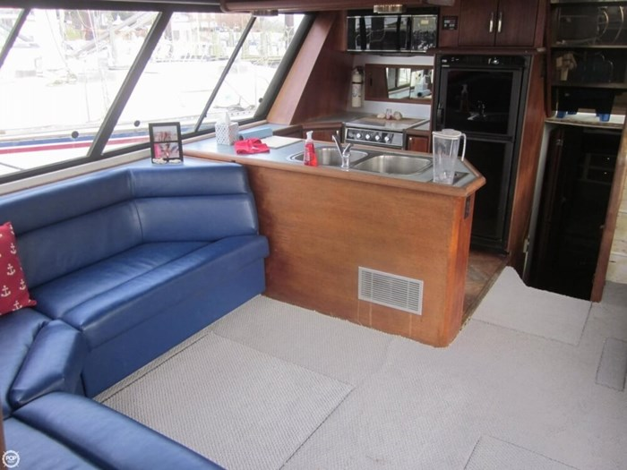 1993 Bayliner 4588 Motoryacht Photo 17 sur 20