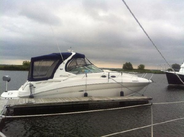 2005 Sea Ray 320 Sundancer Photo 2 of 18