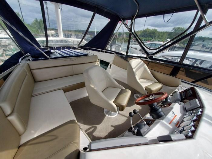 2011 Regal 4080 Sedan Bridge Photo 36 sur 41