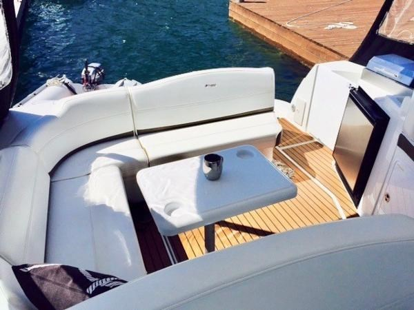 2011 Cruisers Yachts 360/380 Express Photo 5 of 18