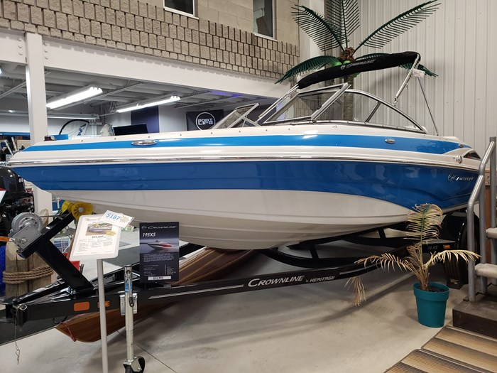 Crownline 19xs 2019 New Boat For Sale In Ayr Ontario Boatdealers Ca