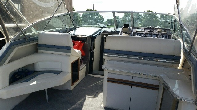 1991 Cruisers Yachts 3675 ESPRIT Photo 2 of 24