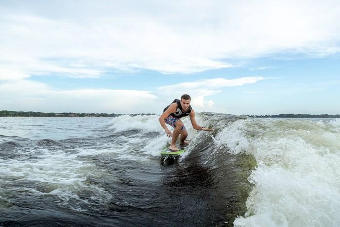 2021 Regal LS4 Surf Photo 6 sur 26