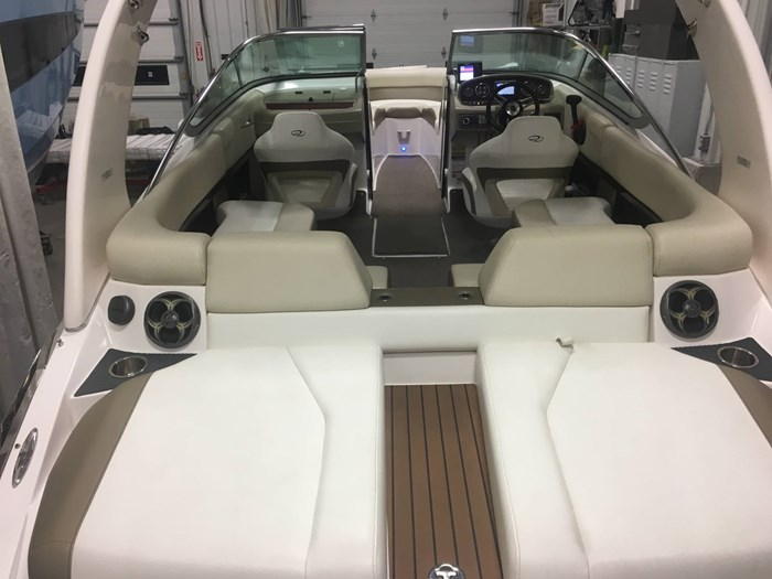 2011 Regal 2300 Bowrider Photo 11 of 43