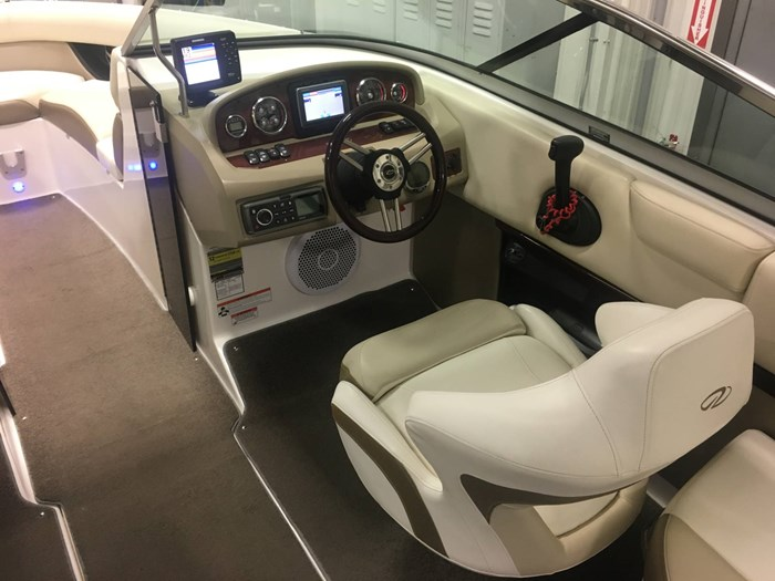 2011 Regal 2300 Bowrider Photo 13 of 43
