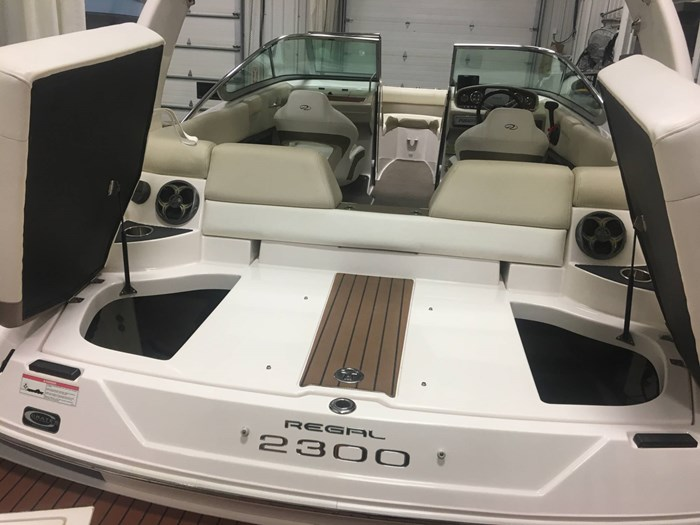 2011 Regal 2300 Bowrider Photo 31 of 43