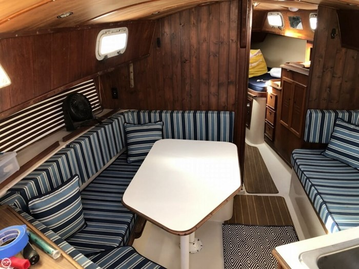1979 Irwin Yachts 34 Citation Photo 7 sur 20
