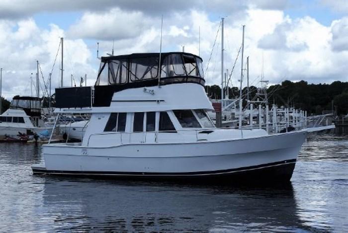 1999 Mainship 390 Photo 1 of 26