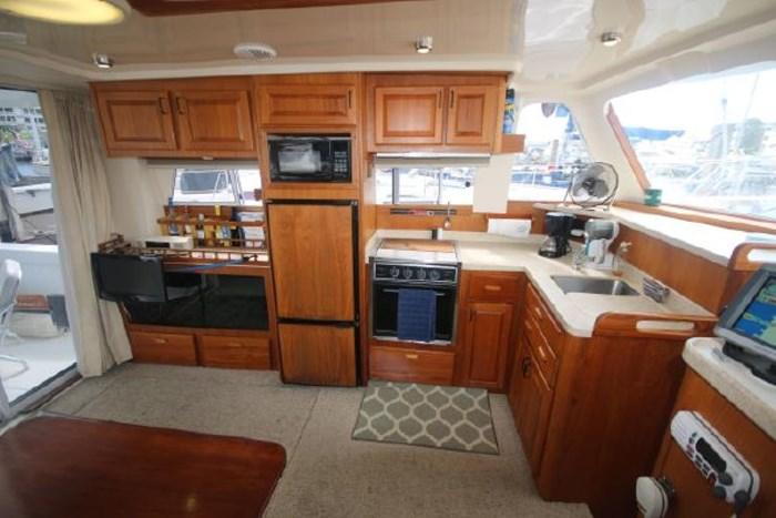 1999 Mainship 390 Photo 6 of 26
