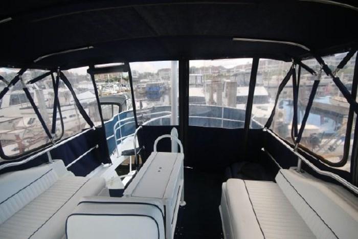 1999 Mainship 390 Photo 16 of 26