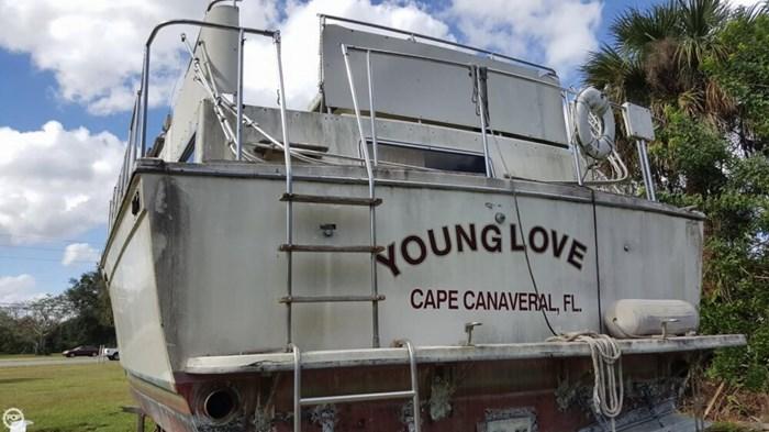 1986 Chris-Craft 381 Catalina Photo 12 sur 20