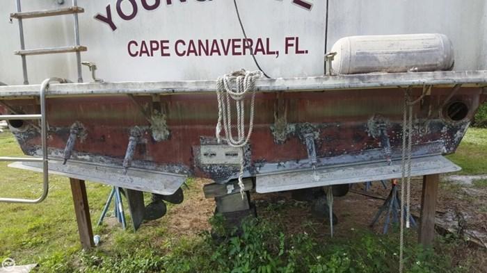 1986 Chris-Craft 381 Catalina Photo 14 of 20