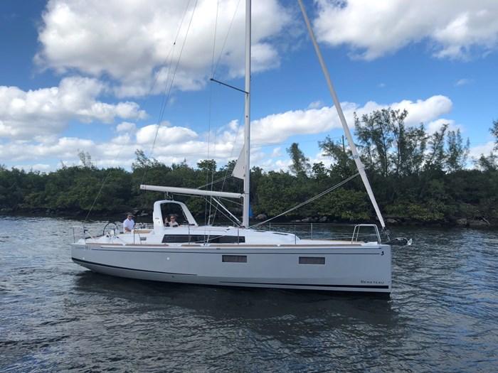 2019 Beneteau Oceanis 38 Photo 1 of 6