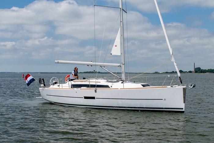 2020 Dufour Yachts 360 Grand Large Photo 1 sur 5