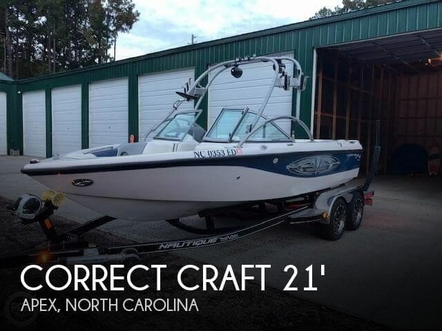 2004 Correct Craft Super Air Nautique 210 Team Photo 1 of 20