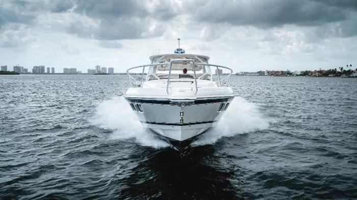 2009 Intrepid 390 Sport Yacht Photo 3 sur 36