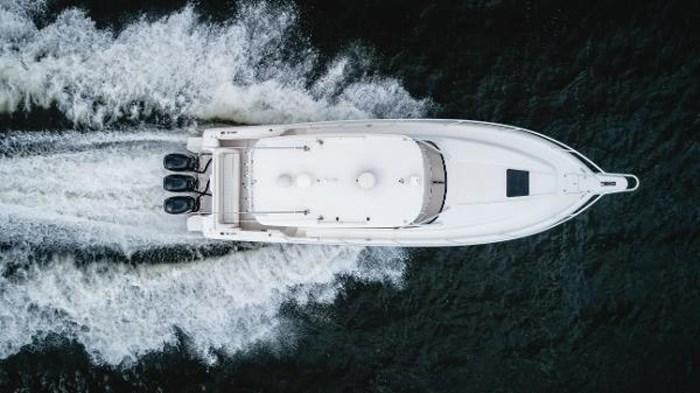 2009 Intrepid 390 Sport Yacht Photo 4 sur 36