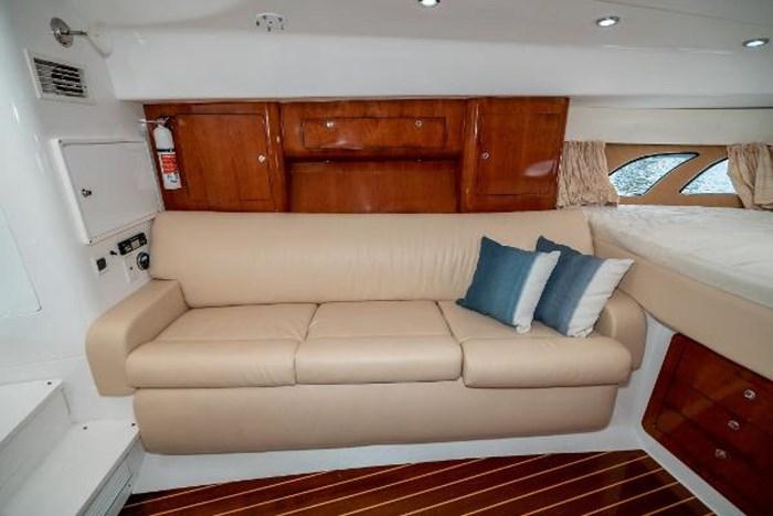 2009 Intrepid 390 Sport Yacht Photo 24 sur 36