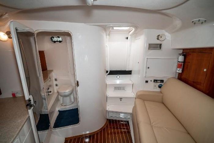 2009 Intrepid 390 Sport Yacht Photo 28 sur 36