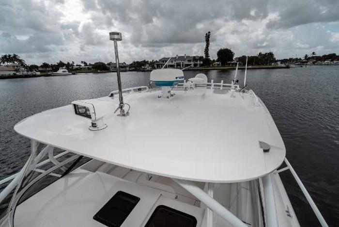 2009 Intrepid 390 Sport Yacht Photo 31 sur 36