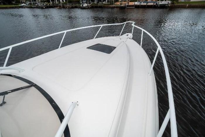 2009 Intrepid 390 Sport Yacht Photo 32 sur 36