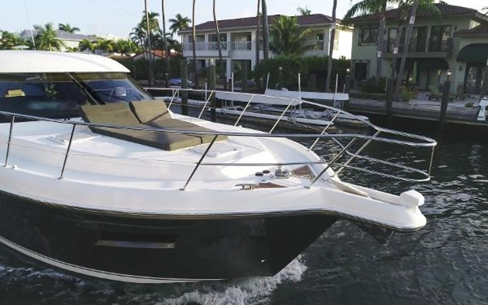 2013 Riviera 5000 Sport Yacht Photo 3 of 63
