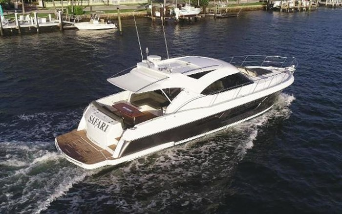 2013 Riviera 5000 Sport Yacht Photo 7 of 63