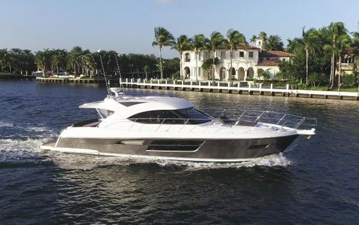 2013 Riviera 5000 Sport Yacht Photo 9 of 63