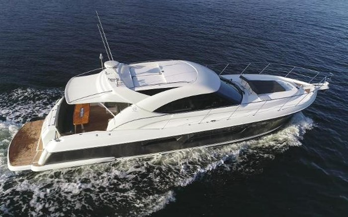 2013 Riviera 5000 Sport Yacht Photo 10 of 63