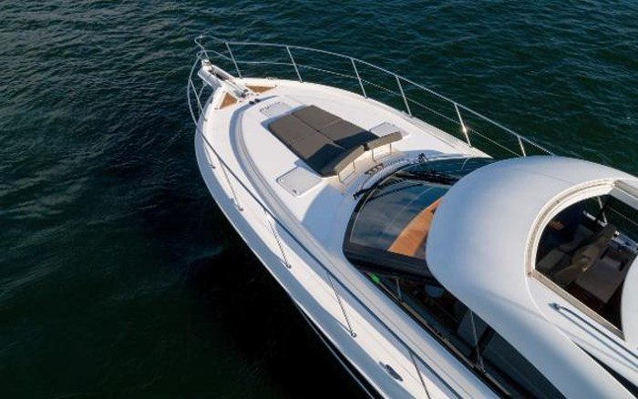 2013 Riviera 5000 Sport Yacht Photo 24 of 63