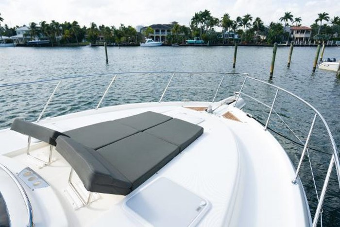2013 Riviera 5000 Sport Yacht Photo 28 of 63
