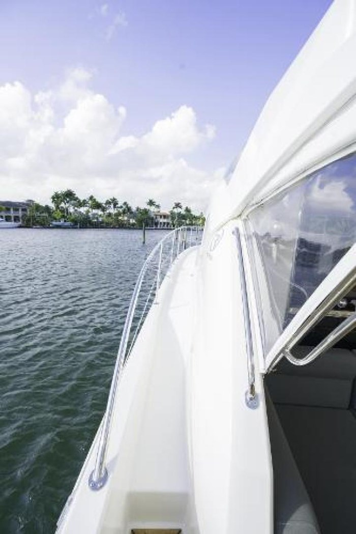 2013 Riviera 5000 Sport Yacht Photo 30 of 63