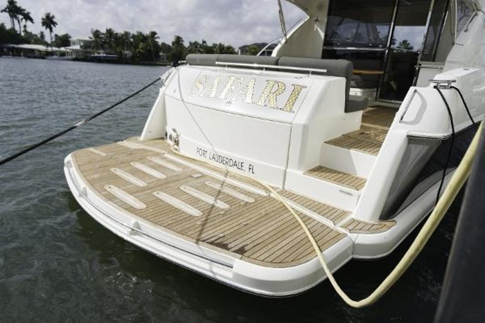 2013 Riviera 5000 Sport Yacht Photo 31 of 63