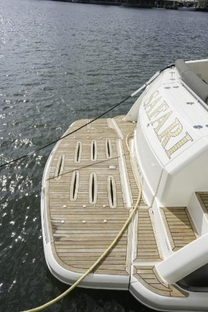 2013 Riviera 5000 Sport Yacht Photo 32 of 63