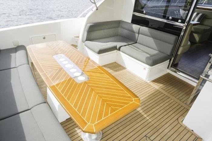2013 Riviera 5000 Sport Yacht Photo 33 of 63