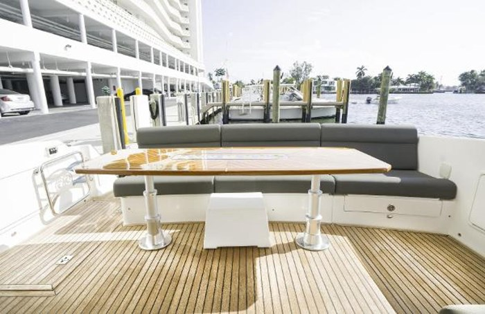 2013 Riviera 5000 Sport Yacht Photo 35 of 63