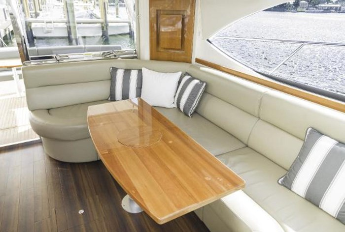 2013 Riviera 5000 Sport Yacht Photo 36 of 63
