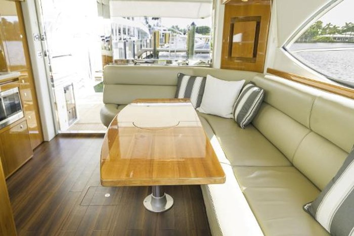 2013 Riviera 5000 Sport Yacht Photo 38 of 63