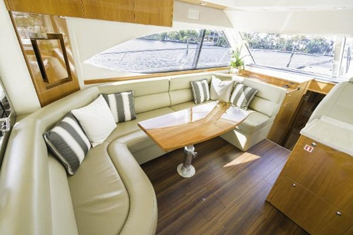 2013 Riviera 5000 Sport Yacht Photo 40 of 63