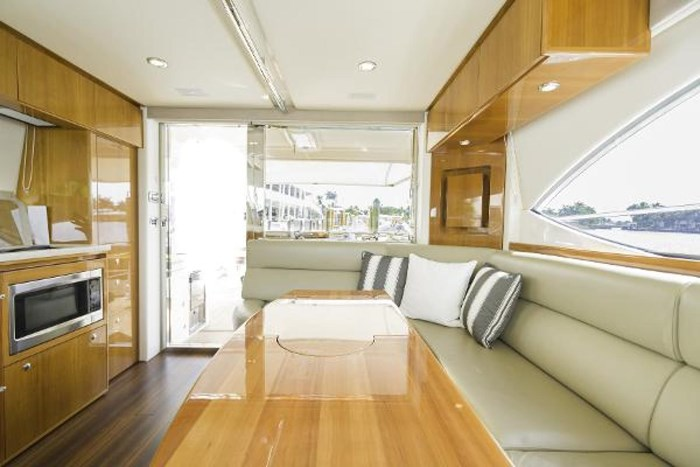 2013 Riviera 5000 Sport Yacht Photo 41 of 63