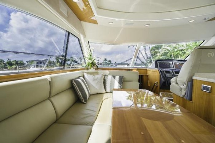 2013 Riviera 5000 Sport Yacht Photo 43 of 63