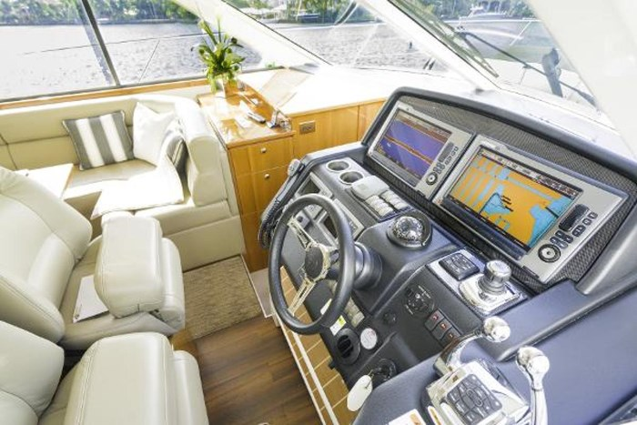 2013 Riviera 5000 Sport Yacht Photo 47 of 63
