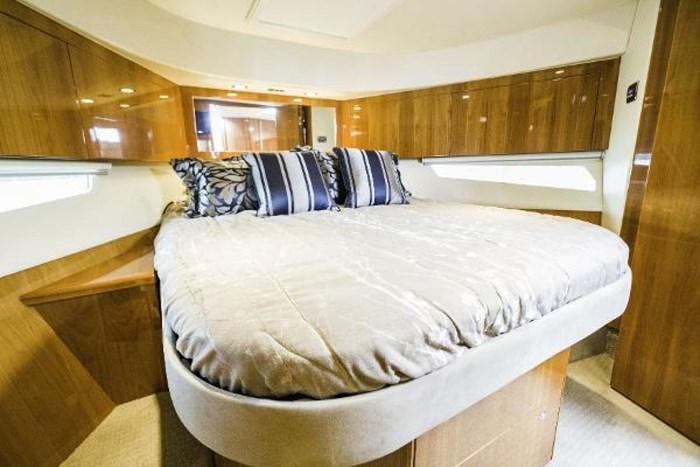 2013 Riviera 5000 Sport Yacht Photo 49 of 63