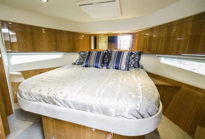 2013 Riviera 5000 Sport Yacht Photo 50 of 63