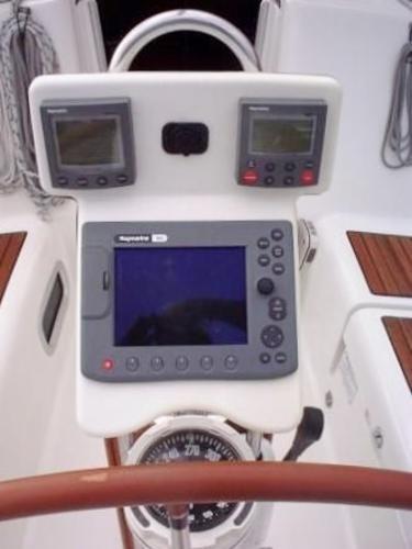 2005 Beneteau 373 Oceanis Sloop Photo 5 sur 16