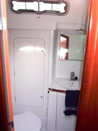 2005 Beneteau 373 Oceanis Sloop Photo 14 sur 16