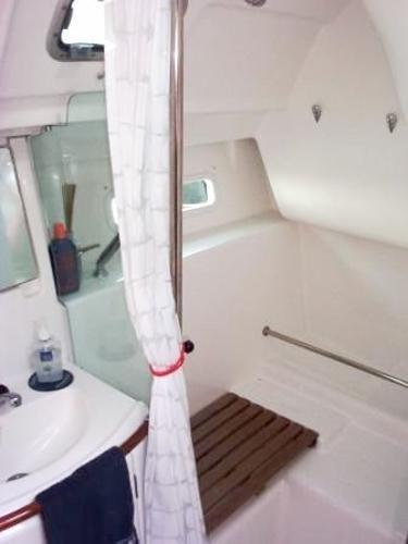 2005 Beneteau 373 Oceanis Sloop Photo 15 sur 16
