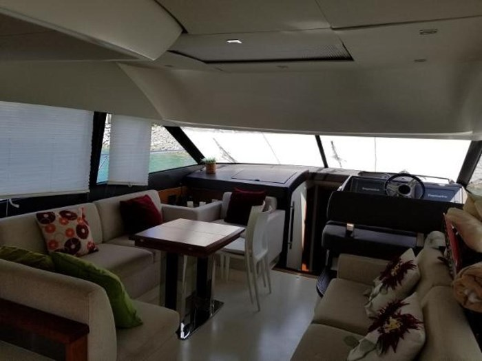 2012 Prestige 500 Flybridge Photo 13 sur 29