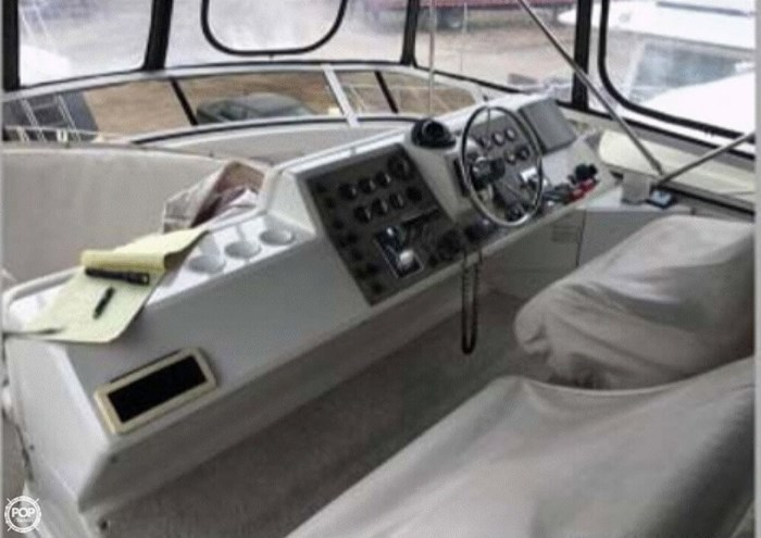 2001 Carver 406 Aft Cabin Photo 14 sur 20